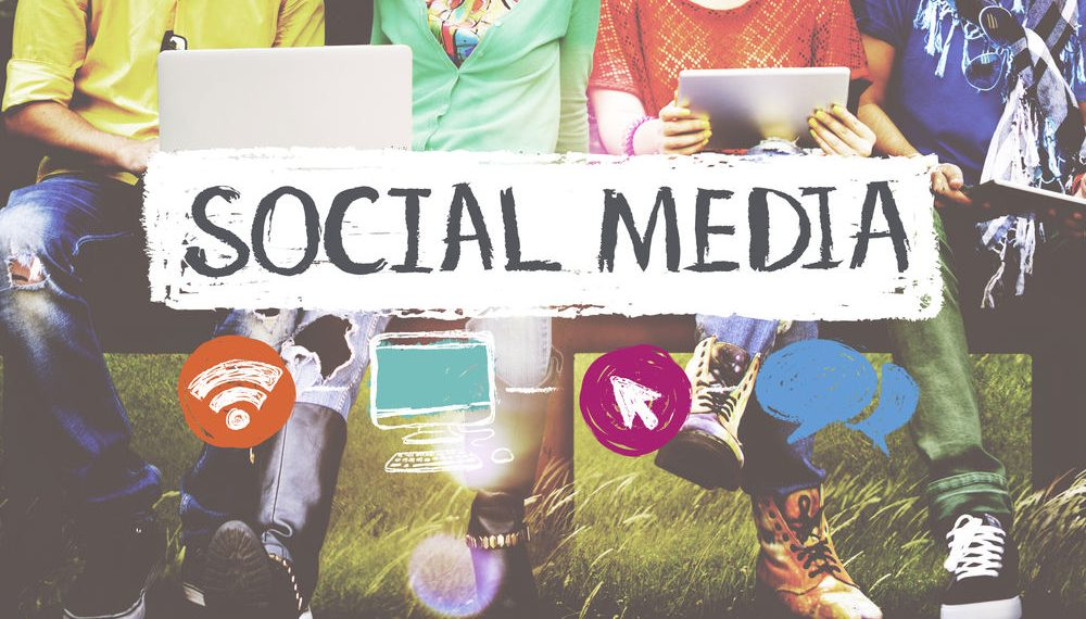 Benefits of Social Media Explained by Freelanmcers HUB-min